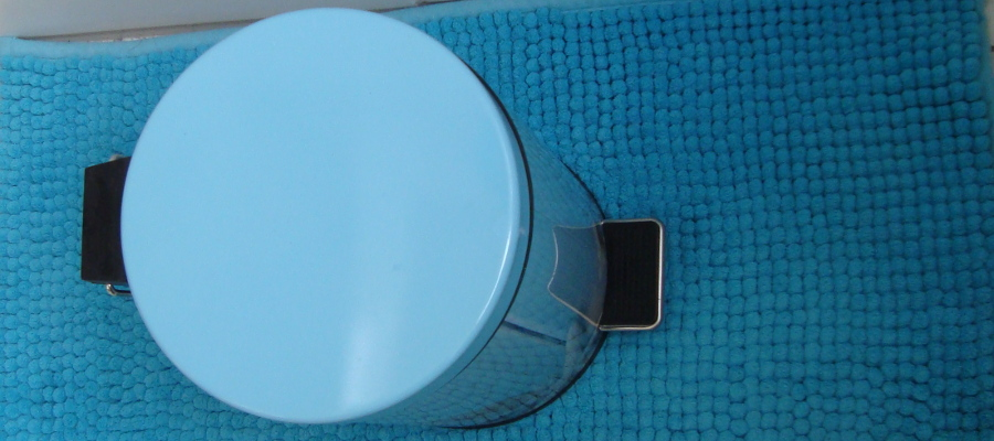 caneca basura bano (900x400)